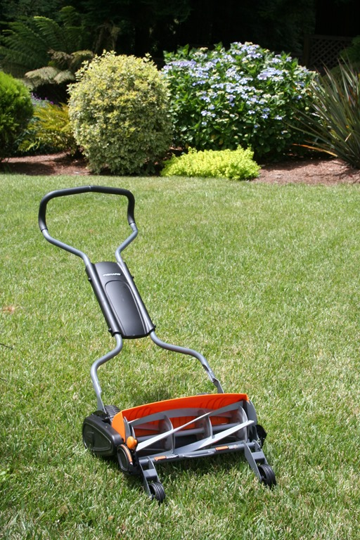 Three Fiskars Mowers: Which One Is Right for You? — The